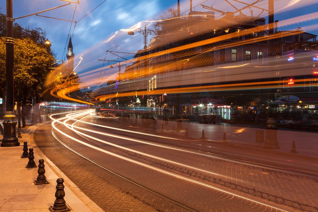 istanbul-tramvay-uzun-pozlama-jpg